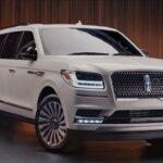 White 2019 Lincoln Navigator SUV